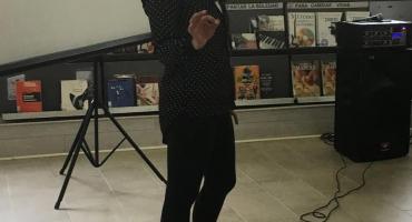 Marcia en presentación de ePub Déjenme solo.